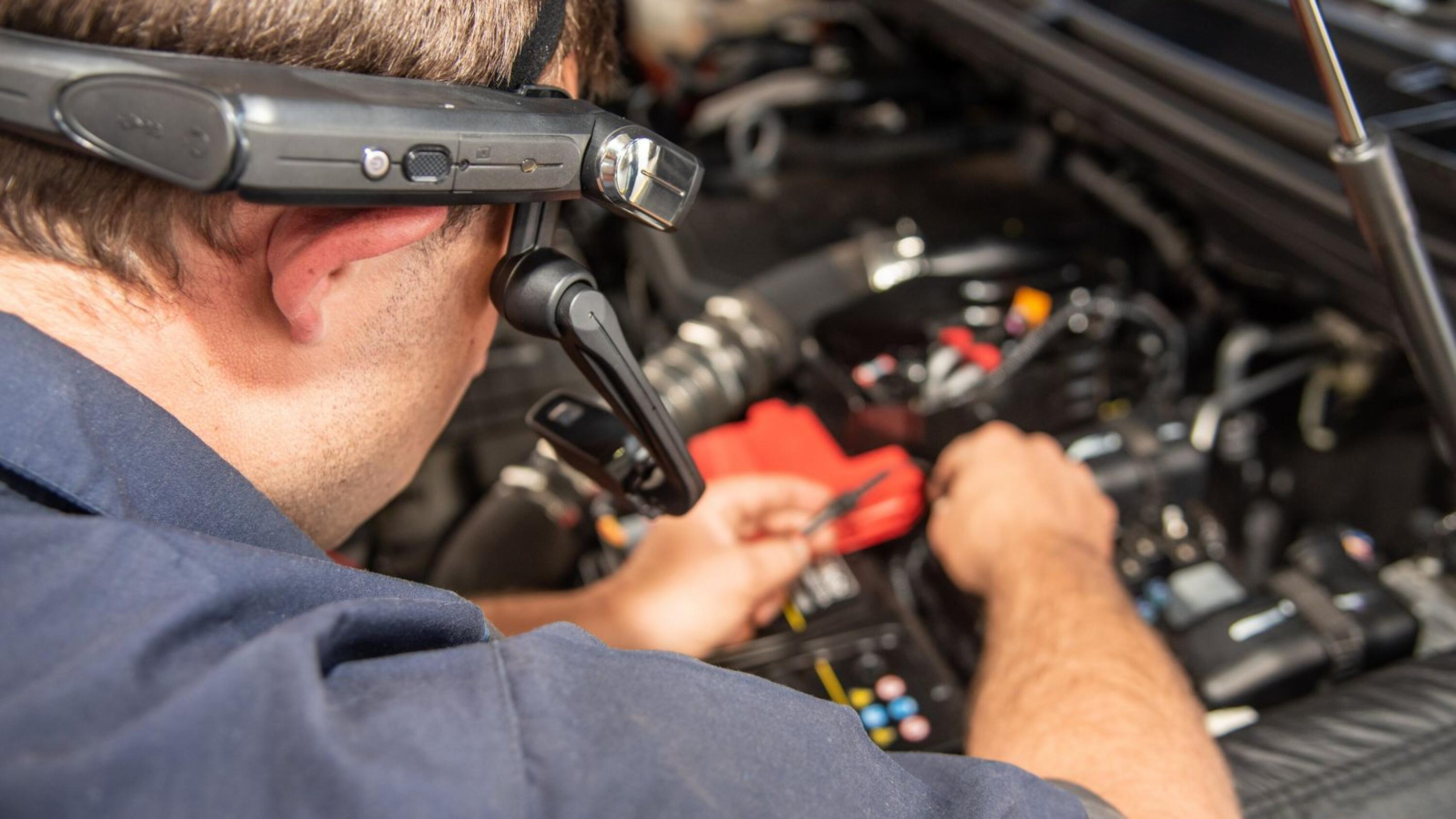 Every Ford dealership in South Africa will have a headset to expedite repairs.