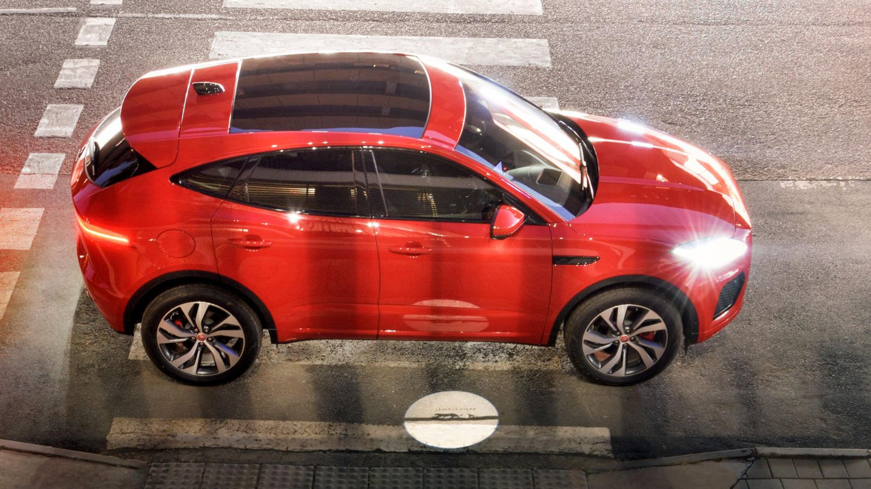 For 2021 Jaguar has given the E-Pace subtle styling changes to enhance its already sporty silhouette and stance